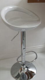 Gloss Bar Stools Pair - with Gas Lift (2, White)