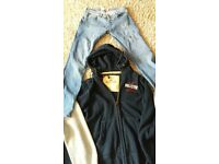 3 hollister hooded tops and strech skinny jeans