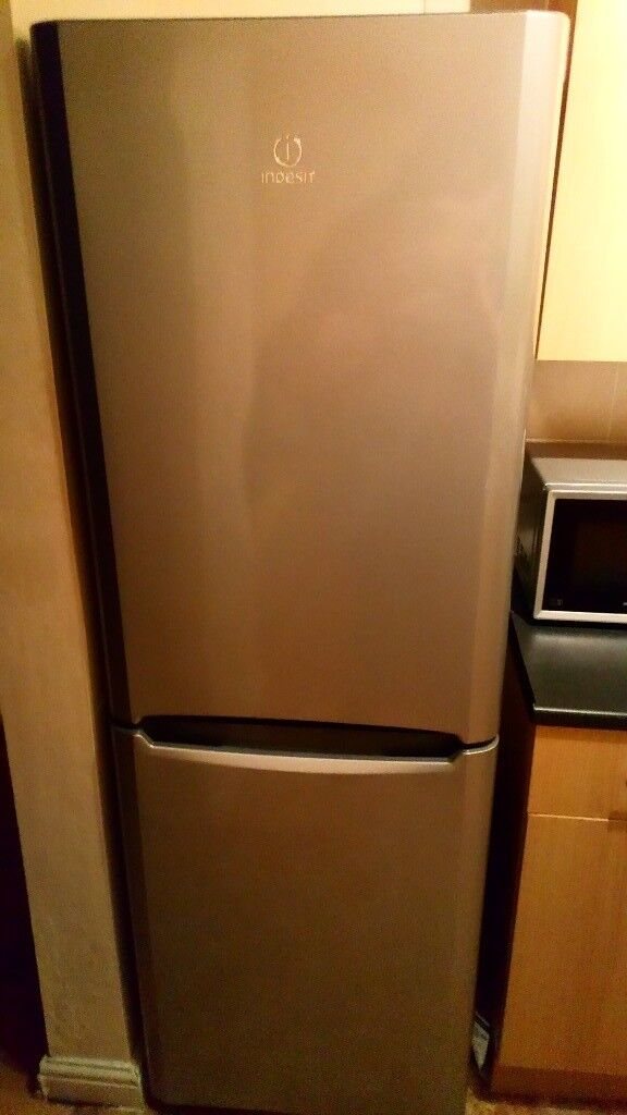 Indesit BIAA 12P Grey Fridgefreezer.