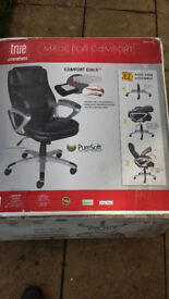 New True innovations black office chair new in box