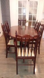 dinning table and 6 chairs