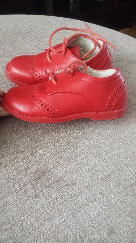 Girls red brogue shoes size 5