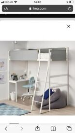 Kids whit and grey bed frame