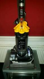 DYSON DC 33 GOOD CONDITION
