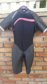 Childs wet suit size 146-158
