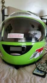 Full size helmet stereo