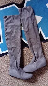 Women's size 7 over the knee boots* never worn