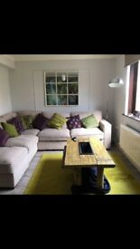 Room for rent in a 2 bed apartment in the heart of Keswick.