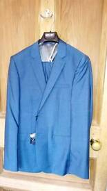 DKNY teal suit, never worn, 40r slim fit