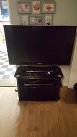 37 inch panasonic tv great working order comes with tv stand and a dvd player