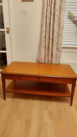 Beautiful solid coffee-table. Hardly used, as new. Ideal for use in living-room, or dinning-room.
