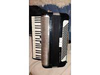 HOHNER Carena IIIM Piano Accordion 120 Bass 41 Treble Keys Black ,**good play and good condition***
