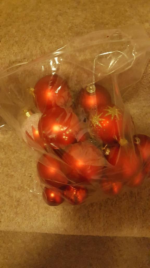 24 tree decorations