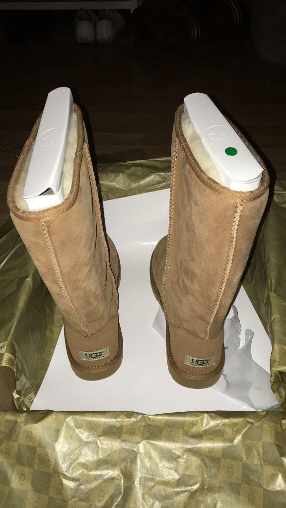 BRAND NEW GENUINE Chestnut Classic Tall UGG Boots Size 5. £150