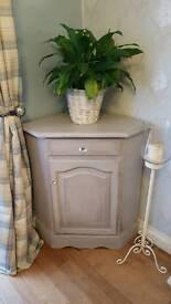 Large corner unit painted in Paris grey