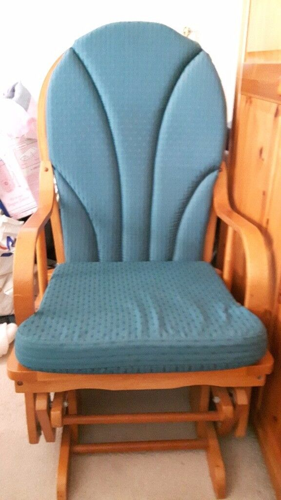 Teal Colour Glider Rocking Chair Or Can Be Used As A Nursery In Good Condition