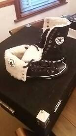 Converse size 4 new