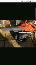 Flymo 3000 watt leaf blower with bag