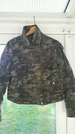 camouflage fitted lightweight coat