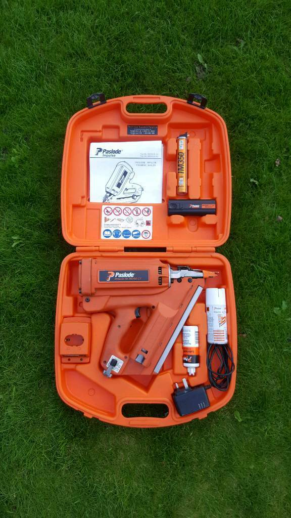 Paslode IM350 fist fix framing nail gun