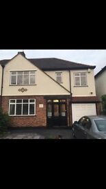 Beautiful 5 bed house available now!