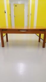 Large Coffee Table, Excellent Condition