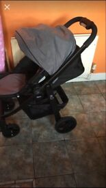 Graco evo carrycot and strollee
