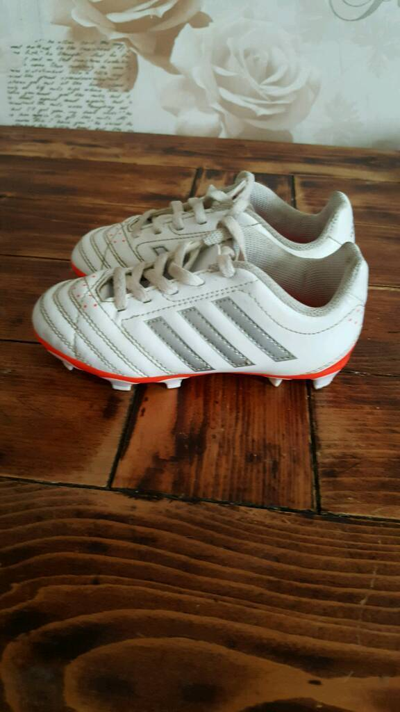 adidas football boots size 10in Chandlers Ford, HampshireGumtree - good condition adidas football boots selling as son has grown out of them. worn a few times but have alot more wear in them )