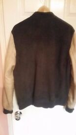 ALLSAINTS leather jacket paid 340£ only 70£, the sleeves are dirty. size XL