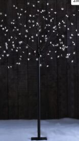 Blossom LED Tree. Excellent condition.