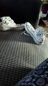 Converse size 9