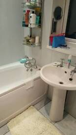 White bathroom suite compleat with taps etc