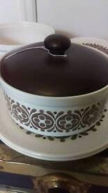 Hornsea pottery part set roulette design.