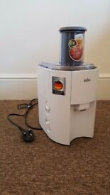 Braun J300 Juicer -800W - almost new - used only 3 times!