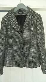 Ladies coat size 18 BNWT
