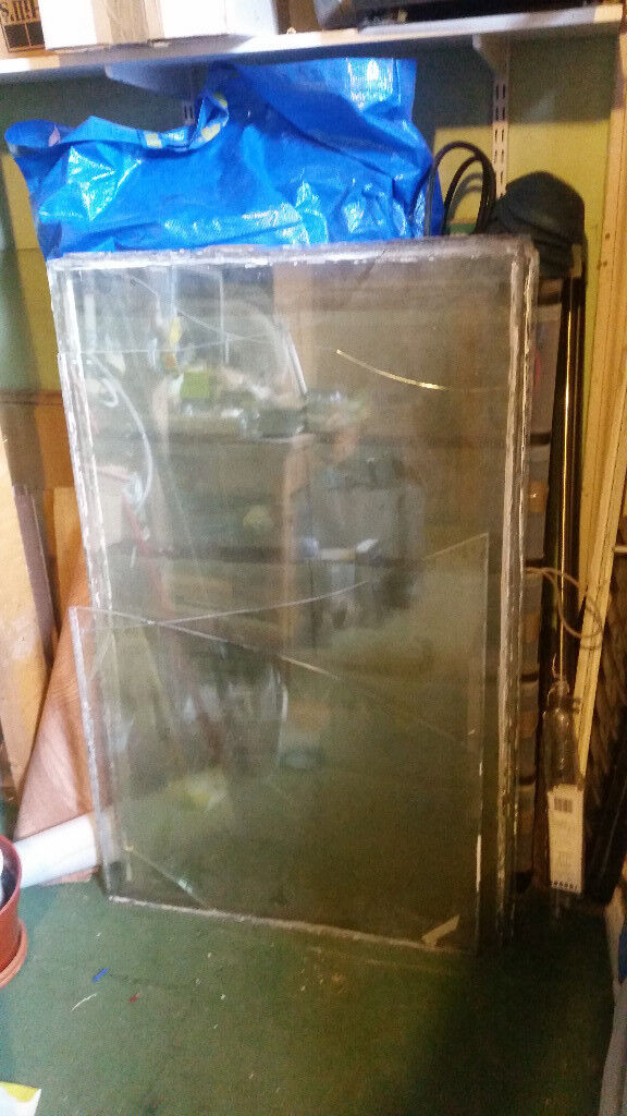 Window Glass 675x1110mm Various Thickness 7 Panes