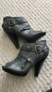 size 7 Guess booties