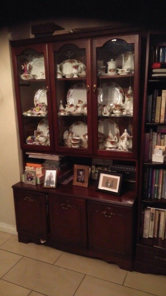 top condition sideboard/rocking chair/