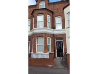 5 bedroom house for rent n.belfast, oil fired central heating and has new carpets and re-painted