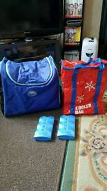 2 COOLER BAGS