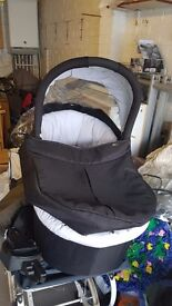 Zoom carrycot for sale only used once see pics £40
