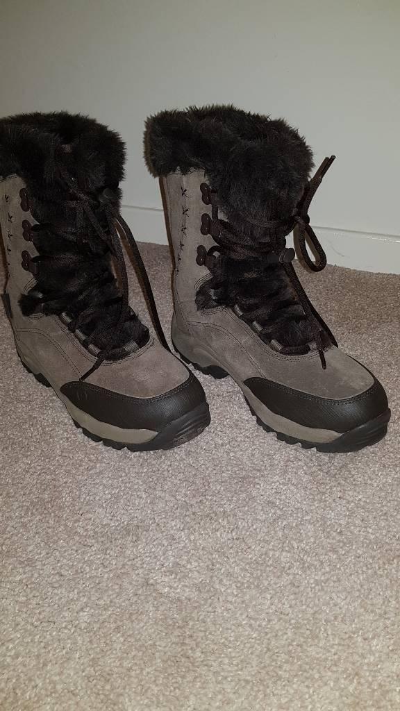 Hi Tec Moriz Boots Size 7