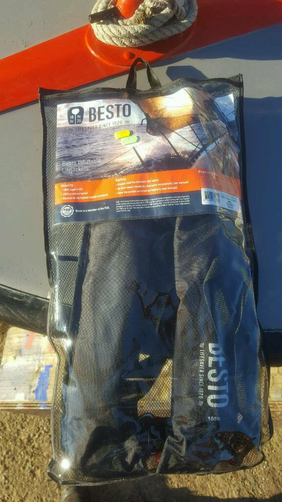 Besto 160n life jacket - Brand New