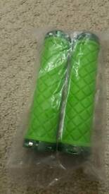 Double Clamp handlebar grips scooter BMX green