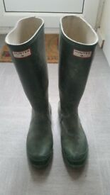 Hunters wellies size 9