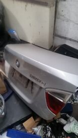 Bmw 320d 2008 bootlid silver good condition also have back lights