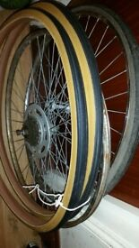 PAIR OF 27 X 1 1/4 INCH WHEELS INC TYRES AND COGS