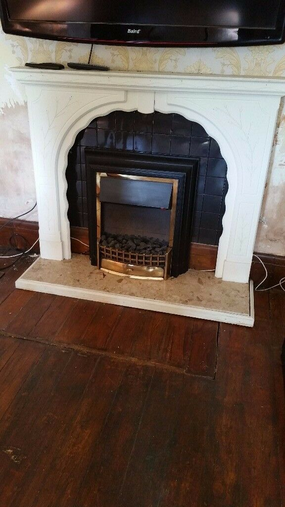 electric fire and surround comes in 3 parts