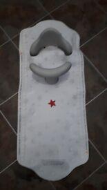 Baby/toddler bath seat and sensor bath mat