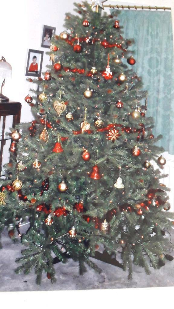 Artificial Christmas Tree Assembly Instructions.Artificial Christmas Tree In Cheadle Hulme Manchester